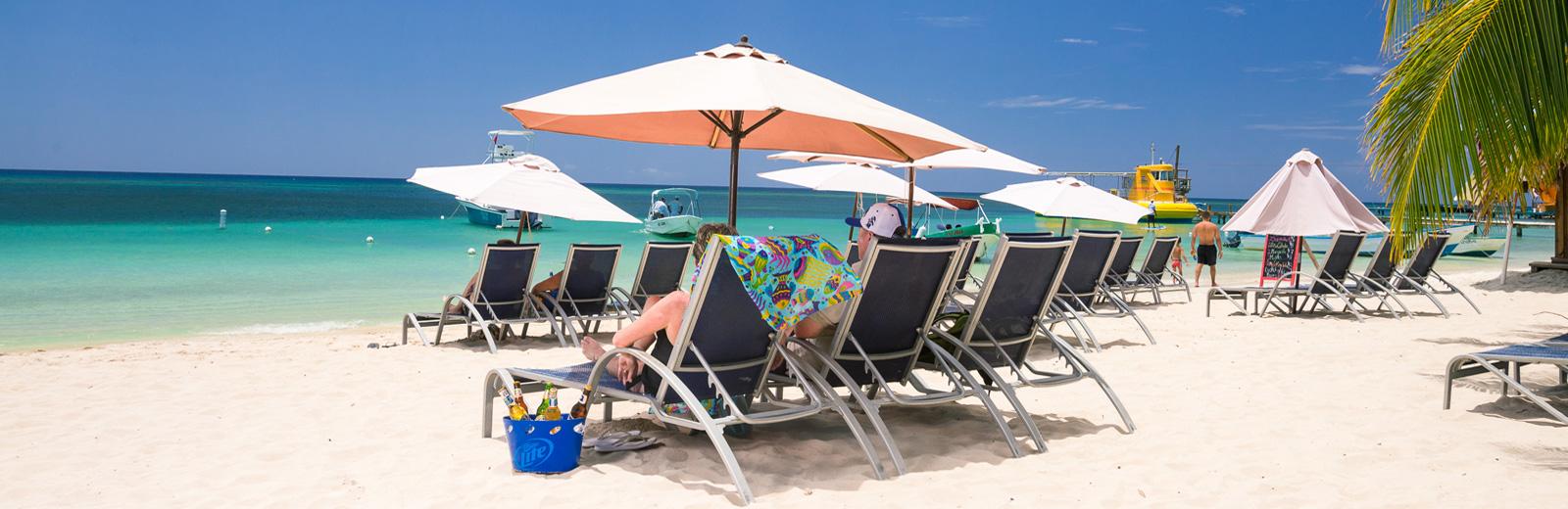 http://www.beachersroatan.com/wp-content/uploads/2015/09/slider2.jpg
